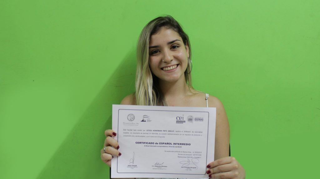 aluna 2 1024x575 - Saiba quais são os Certificados de Espanhol aceitos pela UBA